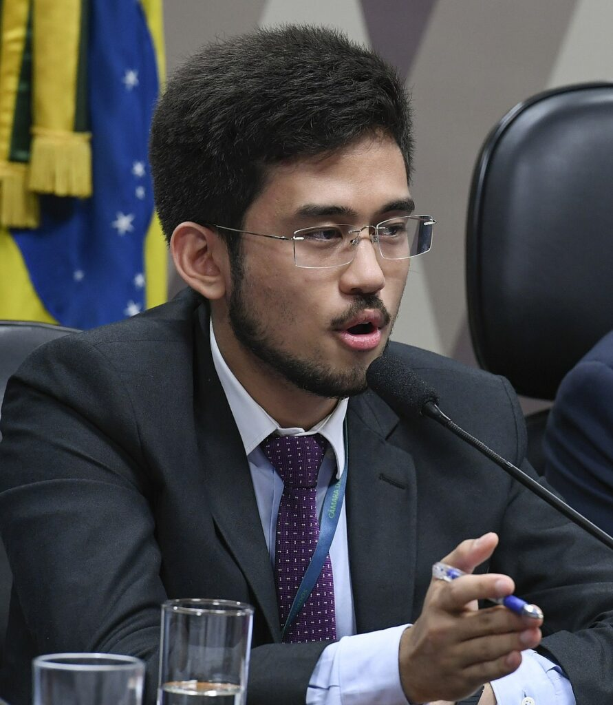 deputado kim kataguiri compra bitcoins por desacreditar de moedas nacionais