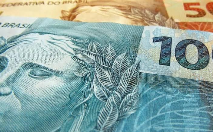 A diferença entre padrão ouro e moeda fiduciária